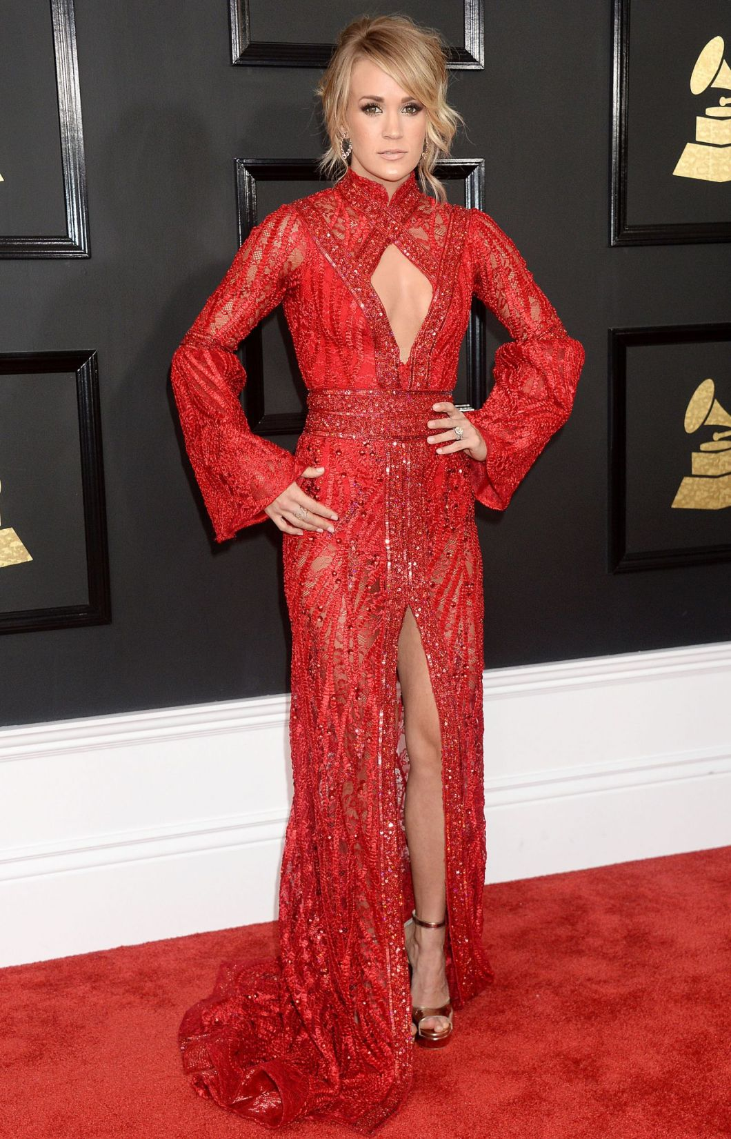 carrie-underwood-on-red-carpet-grammy-awards-in-los-angeles-2-12-2017-1.jpg
